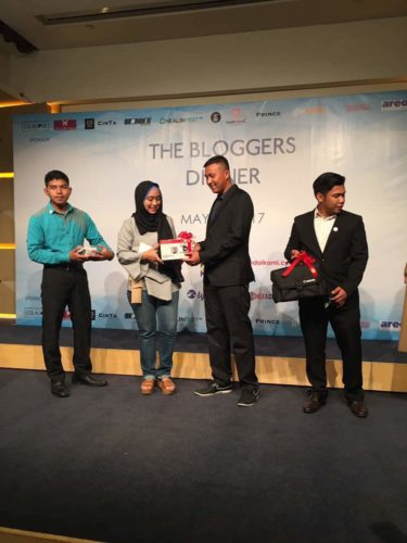 lucky draw blogger